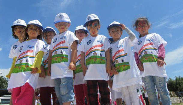 Spor Şenliği'nde Çocuklar doyasıya eğleniyor