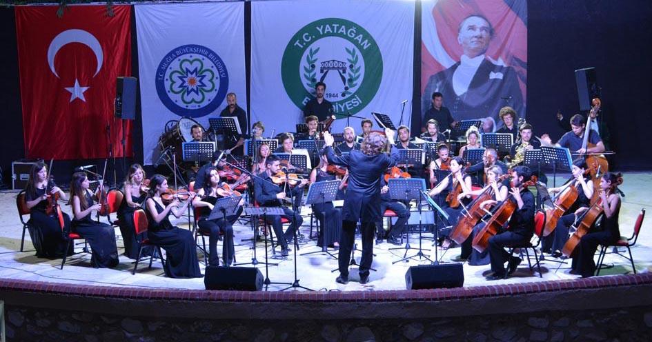 Büyükşehir Orkestrası'nın Konseri Yatağan'da İlgi Gördü