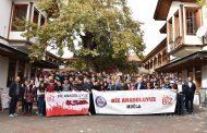 """Vali Civelek, """"Biz Anadoluyuz Projesi"""" kapsamında Bingöllü öğrencilerle bir araya geldi"""